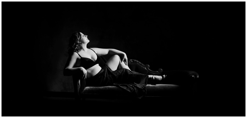 Elegant black and white boudoir photo