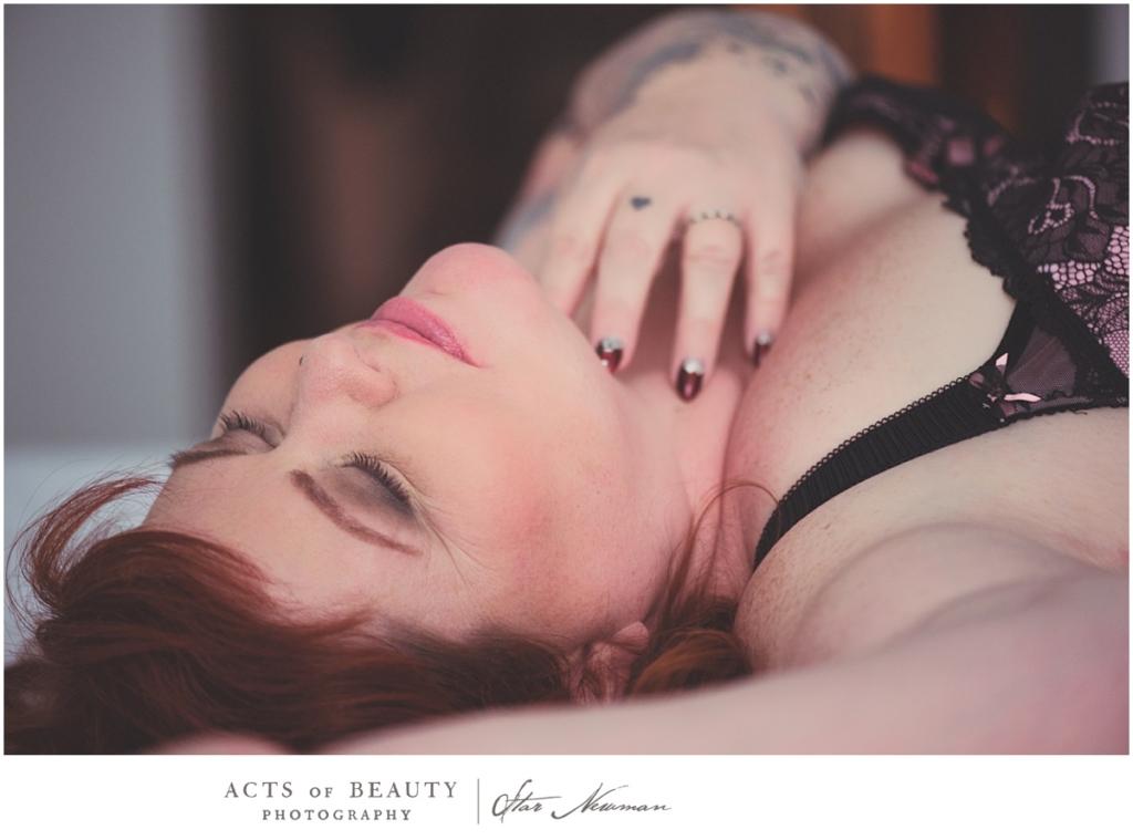 Gorgeous plus size boudoir photos